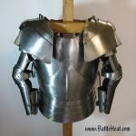 Geteilte Brustplatte mit Sechsteiligem Armzeug und Unterarmzeug